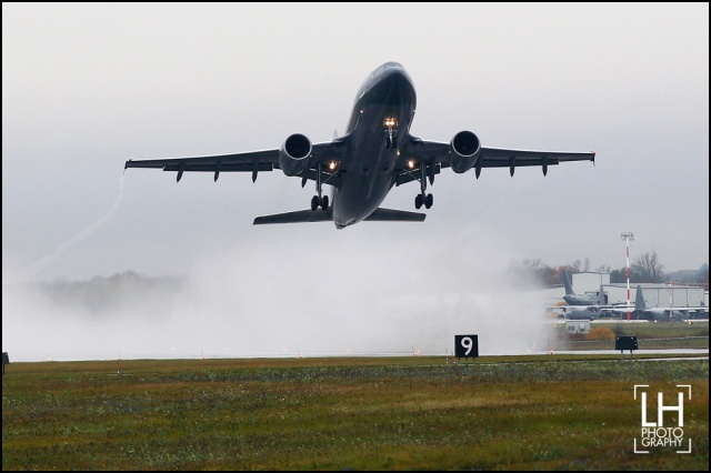 An Airbus CC-150 Polaris leaves from Canadian Forces Base Trenton with 115 members of the Canadian forces, in Trenton, Ont., on Thursday, Oct. 16, 2014. The forces is responsible for initiating preparations for the Canadian forces units that will deploy in Operation IMPACT in Kuwait and help fight ISIL. THE CANADIAN PRESS/Lars Hagberg